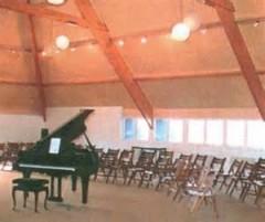 Auditorium de la Maison du Beuvray.jpeg